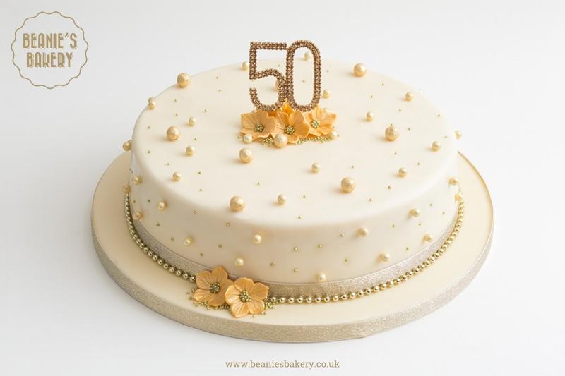 Anniversary Cake by Beanie's Bakery